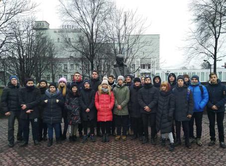 Урочисте покладання квітів до пам'ятника Т.Г.Шевченка