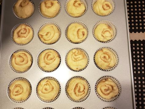 Preping Cinnamonroll Cupcakes