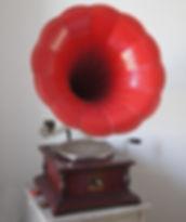 Odéon Orator; HMV; La Voix de Son Maître; Nipper; His Master Voice; Odéon; ; Phonovalise; Phono; Valise; Pique Nique; Pick nick;Phonographe; Gramophone; Phonograph; Mariage; Wedding; DJ Vintage; Pathé; Fleurs; Saphir; Vert; Natural; Flowers; Provence; Paulette; Bohème; Liberty; Champêtre; Location; Prestation; Retro; Garden Party; 78 tours; 78 rpm; Jazz; Swing; Blues; Chanson Française; Années folles; Festival; evenements; animation; accompagnement musical; cocktail; Paulette; Vin d'honneur; retraite; récéption; rally; bal; lindy hop; Dixieland; Colombia; Jour et Nuit; Manivelle; tête de lecture; diaphragme; aiguilles; 1900; 1910; 1932; 1920; 20's; 30's; 40's; 50's