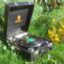 Odéon Orator; Odéon; ; Phonovalise; Phono; Valise; Pique Nique; Pick nick;Phonographe; Gramophone; Phonograph; Mariage; Wedding; DJ Vintage; Pathé; Fleurs; Saphir; Vert; Natural; Flowers; Provence; Paulette; Bohème; Liberty; Champêtre; Location; Prestation; Retro; Garden Party; 78 tours; 78 rpm; Jazz; Swing; Blues; Chanson Française; Années folles; Festival; evenements; animation; accompagnement musical; cocktail; Paulette; Vin d'honneur; retraite; récéption; rally; bal; lindy hop; Dixieland; Colombia; Jour et Nuit; Manivelle; tête de lecture; diaphragme; aiguilles; 1900; 1910; 1932; 1920; 20's; 30's; 40's; 50's