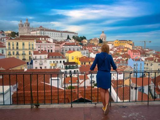 Lisboa, una linda casa salpicada de azulejos y ventanas!