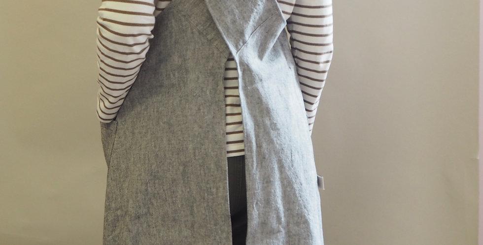Cross Back Apron - Graphite/Old White Annie Sloan Linen Union
