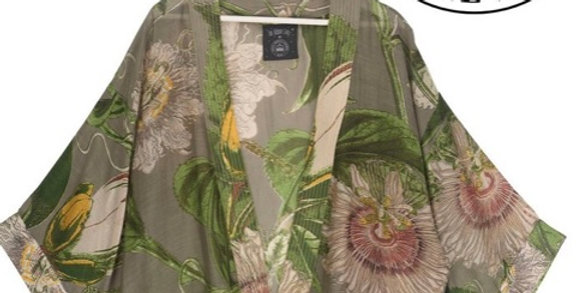 One Hundred Stars Short Kimono - Passion flower