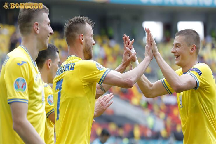 Ukraina Vào Vòng ⅛, Thật Bất Công Với Hungary
