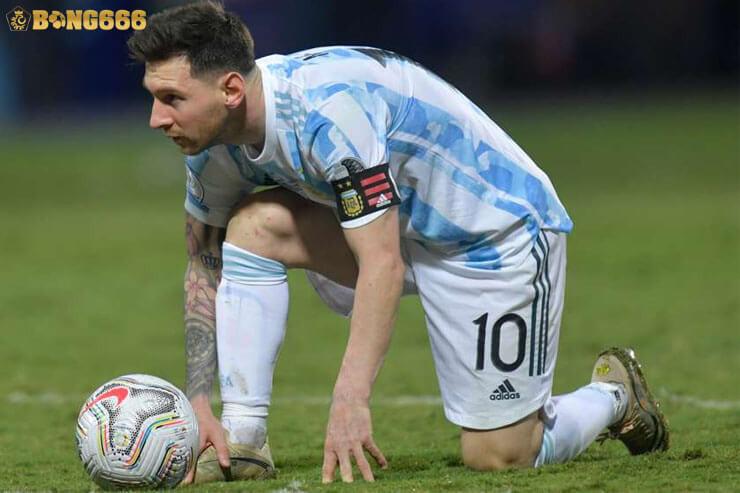 Messi chói sáng với quả đá phạt trực tiếp