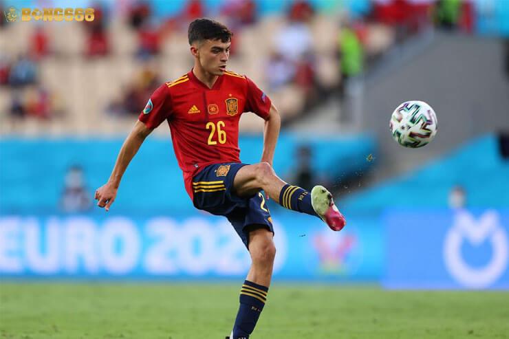 Pedri - Cầu thủ xuất sắc nhất vô địch Châu Âu