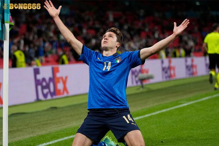 Chiesa - Cầu thủ xuất sắc nhất vô địch Châu Âu