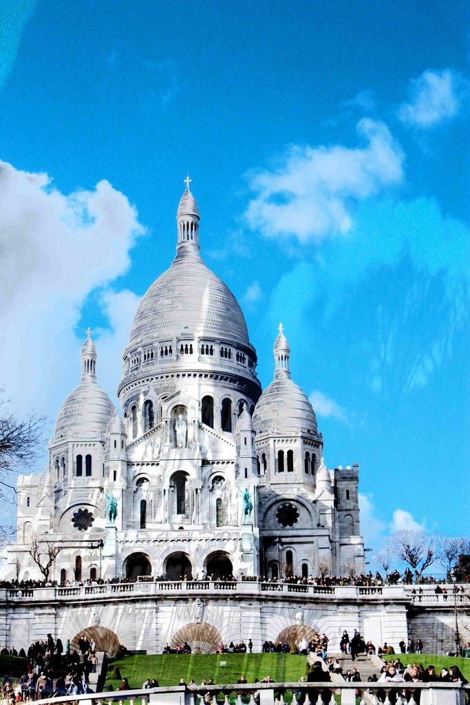PARIS MONUMENT