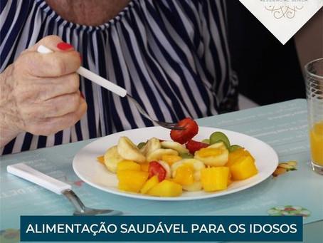 Alimentação saudável para idosos: cardápio preparado por nutricionista