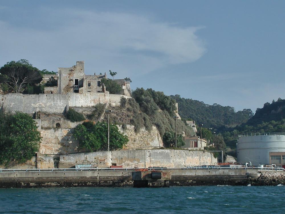 Torre de S.Sebastião vista do rio Tejo (norte)