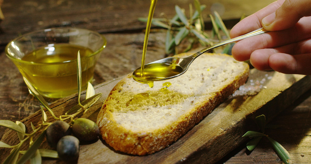 6. Cook with oils that contain polyunsaturated and monounsaturated fats. For example, olive and peanut oil.