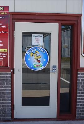 doggywash door_PNG.webp