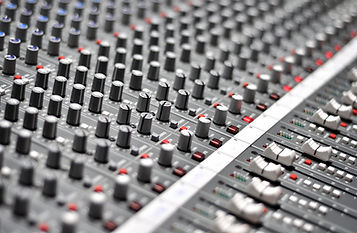 Audio Mixing Pult for Audio Sweetening