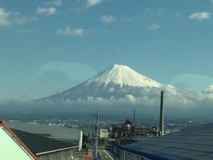富士山へ続く道