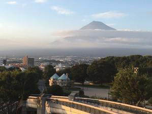 ロゼシアターから8月の富士