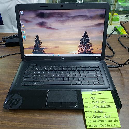 Hp 2000 - 8 gb ram - 256 gb SSD