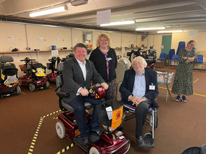 Dean Russell visits Watford Shopmobility