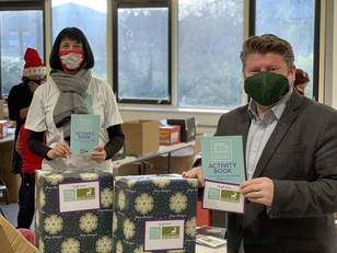 Dean Russell MP joins Christmas Kindness project