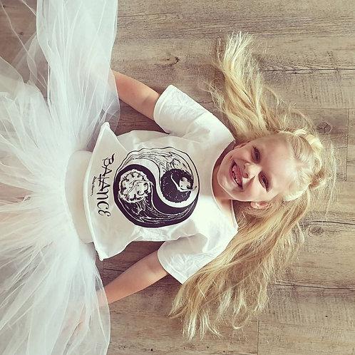Balance Cropped T-shirt Girl