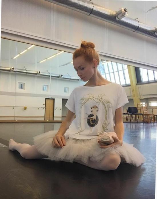 Iana Salenko wearing Ballet Papier Black Swan T-shirt