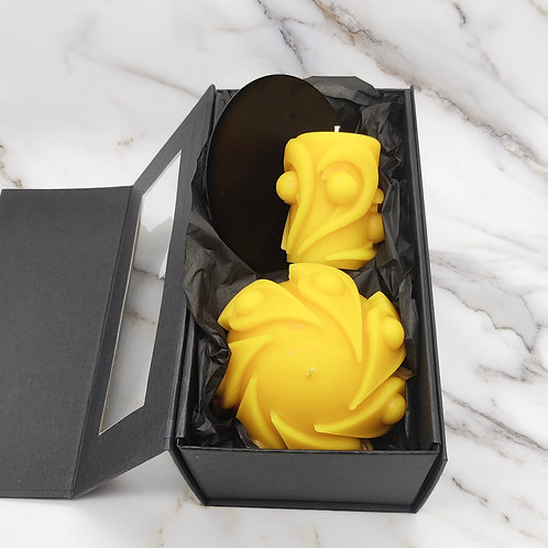 Abstract design beeswax deluxe gift box