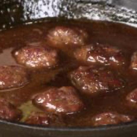 Meatballs w/ Jelly Sauce