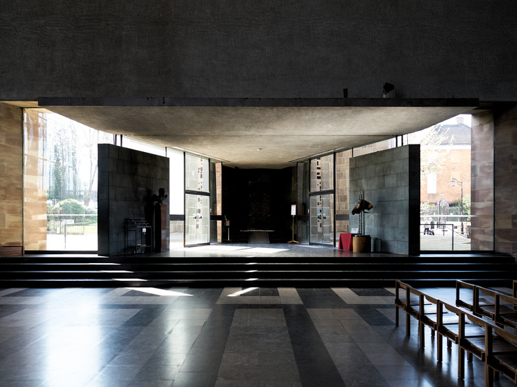 Coventry Cathedral-04.jpg