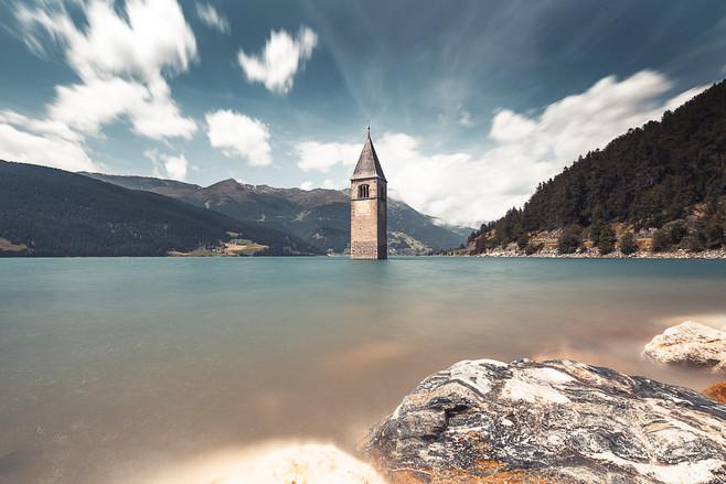 Lago de Resia, Dolomites, Italie