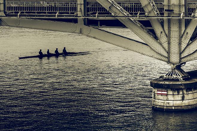 Bateau sous les ponts de la Mulatière, Lyon