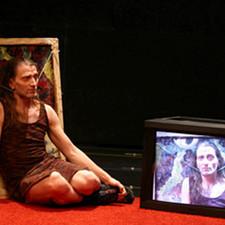 2005 «Délire Défait» Benoît Lachambre / Performance. Reprise de rôle court.