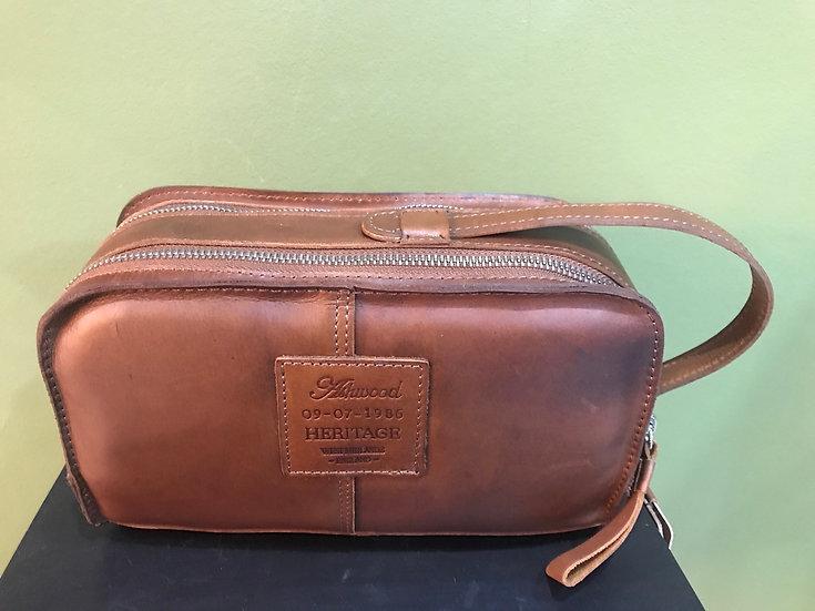 1667 Leather Wash Bag