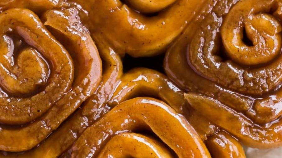 1/2 Dozen - Caramel Cinnamon Buns