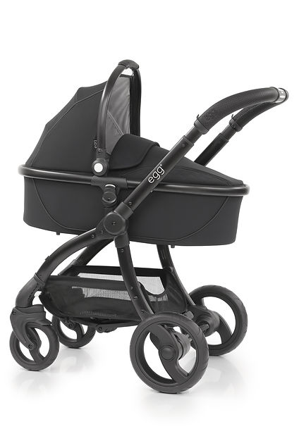 egg_Carrycot_onChassis_JustBlack (2).jpg