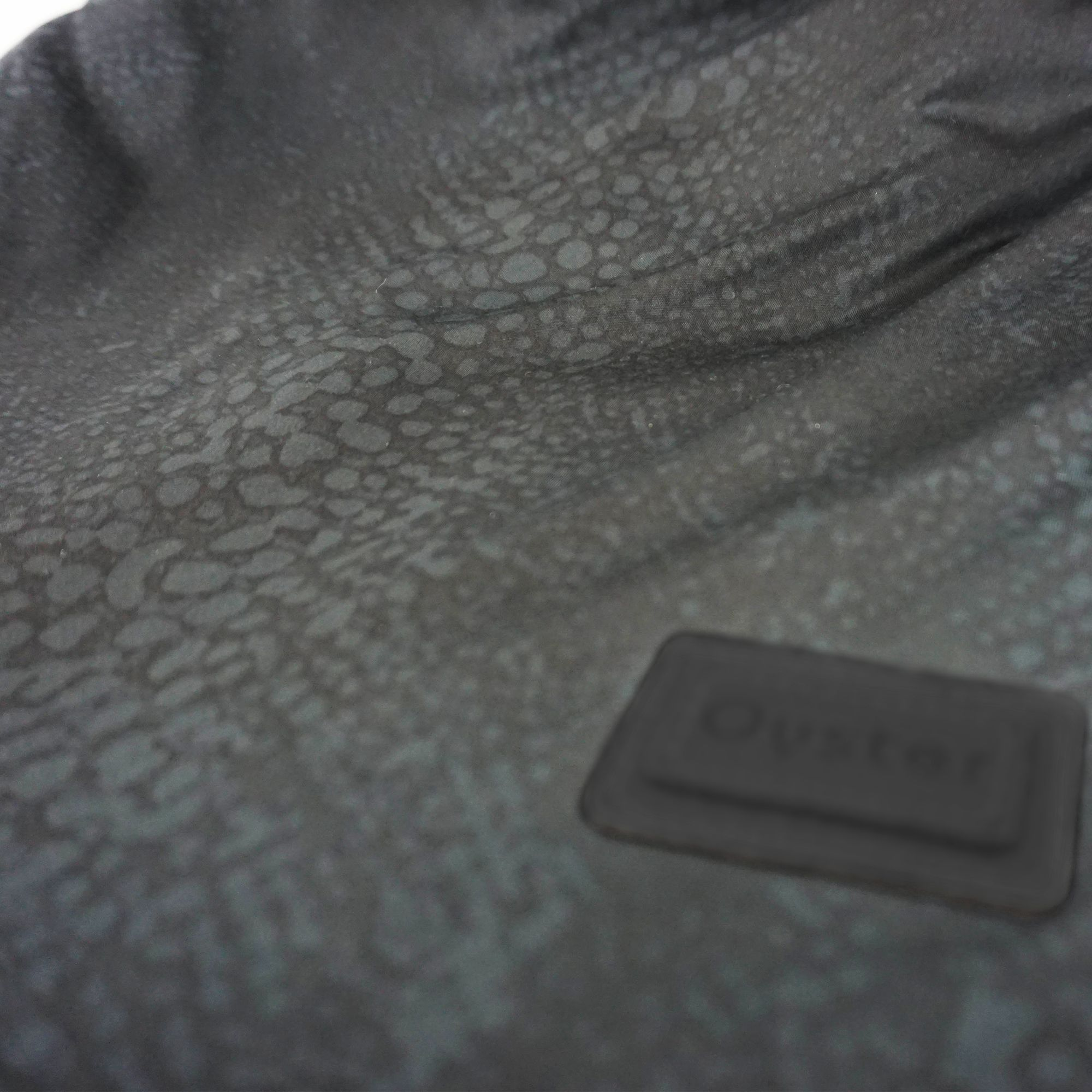 Oyster-3-Lux-Exclusive-fabric-jurassic-b