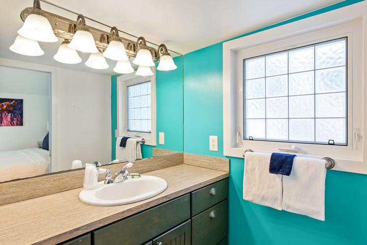 127 Bathroom 1.jpeg