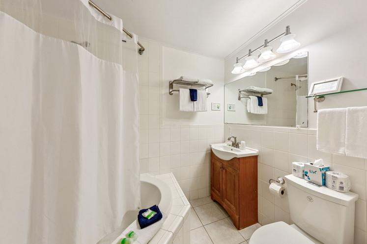 106 Bathroom 2.jpeg
