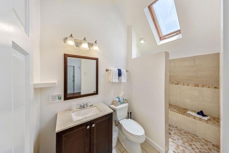 121 Bathroom 1.jpeg