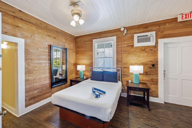 106 1st Bedroom 1.jpeg