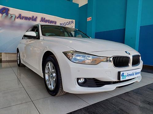 2014 BMW 320i Manual
