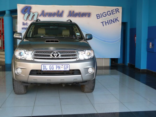 Toyota Fortuner 3.0 D-4D R/B A/T 2010