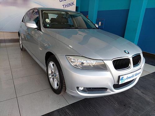 2010 BMW 320i A/T (E90)