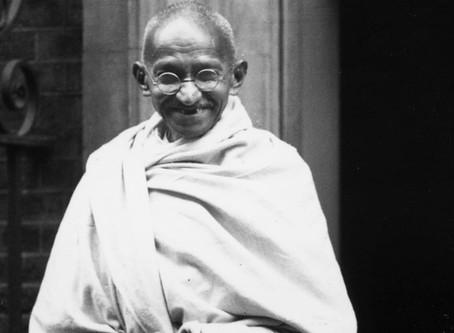 Ghandi contre l'anglais et pour la démocratie
