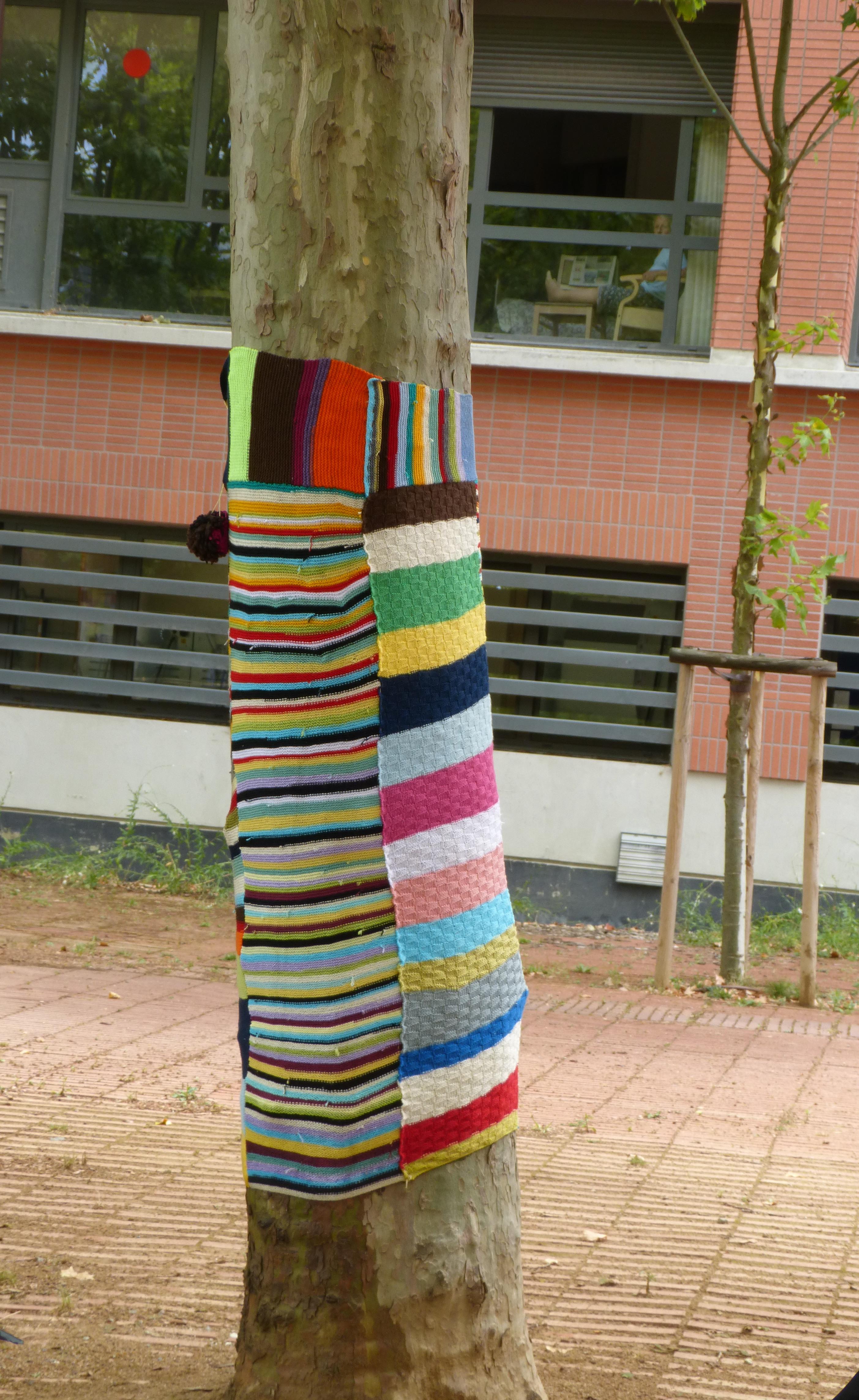 Tricot au jardin Niel, réalisé par les résidentes