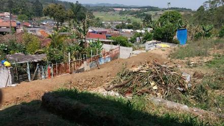 Iniciada a reconstrução de muro em escola