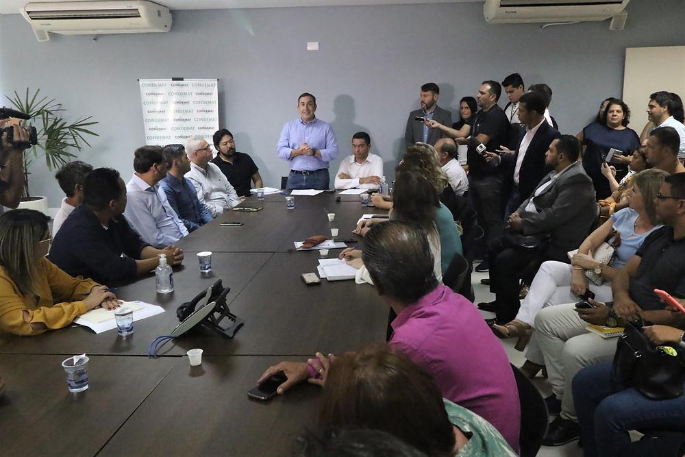 Em reunião do CONDEMAT, prefeitos concordam com necessidade de ações drásticas para diminuir circulação de pessoas. Aulas serão suspensas gradativamente; Região tem agora 4 casos confirmados da doença