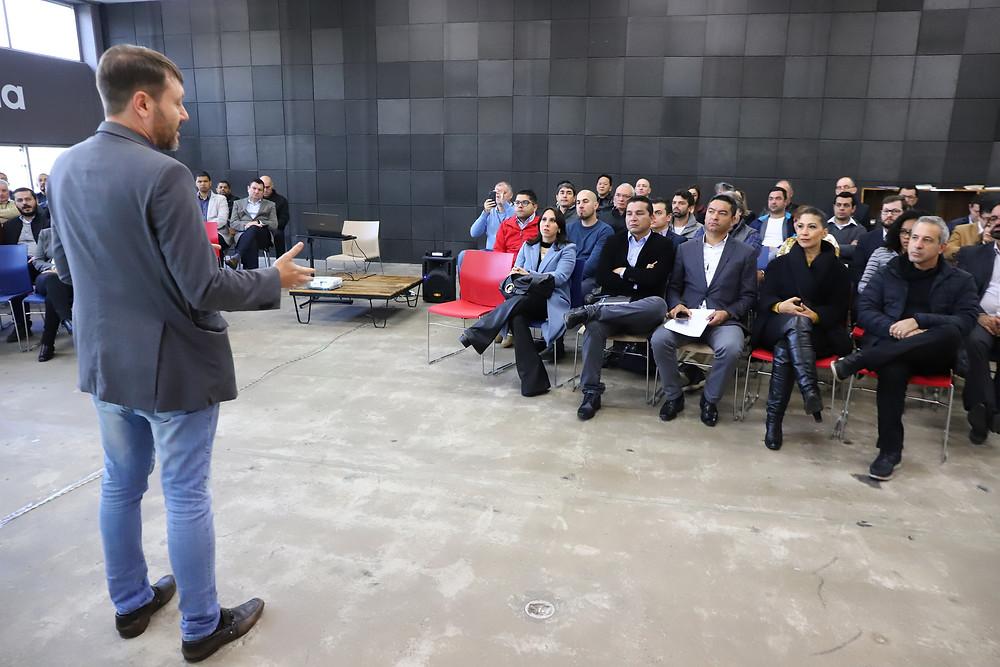 Workshop com participação de prefeitos e secretários abordou o uso da tecnologia e conceitos de cidades inteligentes