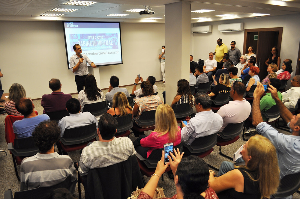 Deputado Marco Bertaiolli reuniu população para a  apresentação dos resultados do trabalho em Brasília