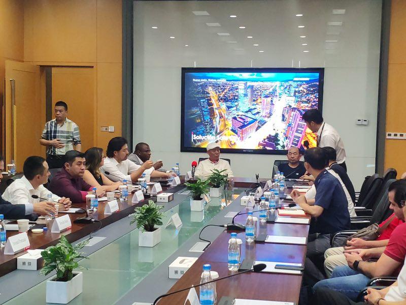 Visitas à Hik Vision e Alibaba tiveram o objetivo de avançar tratativas quanto aos projetos de cidades inteligentes