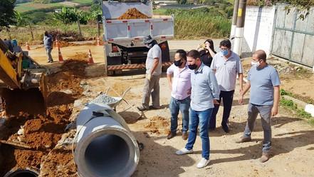 BIRITIBA MIRIM: Iniciada às obras de infraestrutura na Rua Luiz Vaz de Camões