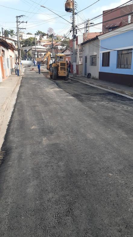 SANTA BRANCA: Iniciada as obras de recapeamento da Rua Independência